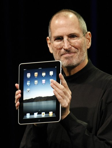 Steve Jobs shows off the iPad